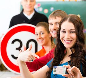 Сколько стоит обучение на водительские права