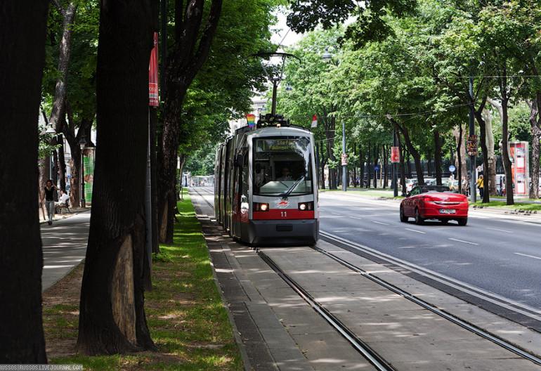 Правила разворота на трамвайных путях